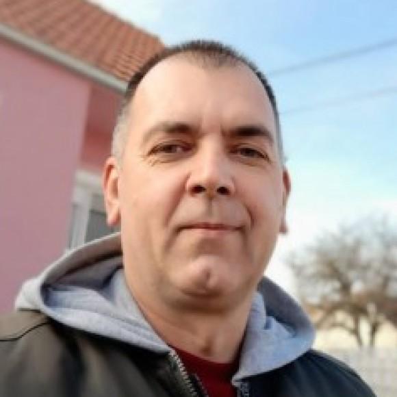 Profile picture of Dejan