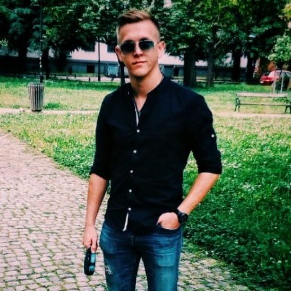 Profile picture of MiVov